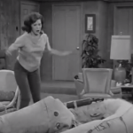 Laura's Curiosity Gets the Best of Her.  A Gem From the Dick VanDyke Show.