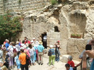The Garden Tomb and our Aglow tour group.