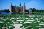 fredicksborg-castle-by-grayline-com