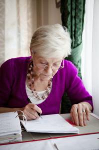 MATURE-WOMAN-WRITING