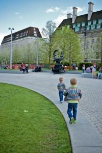 boys-running