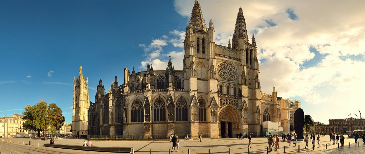 Bordeaux Cathedral by wall.alphacoders.com