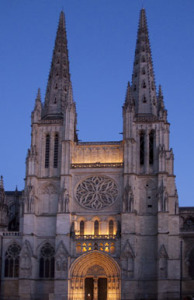 The front façade of Bordeaux Cathedral. creative commons ahisgett.